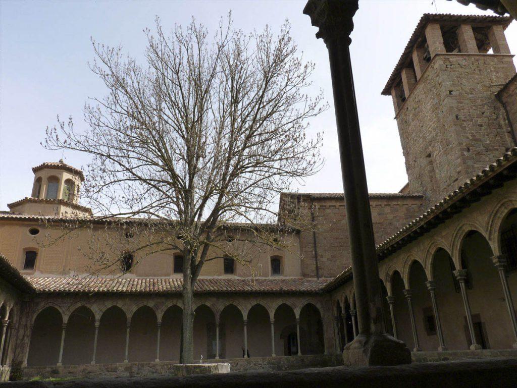 claustre del Monestir de Sant Joan de ripoll