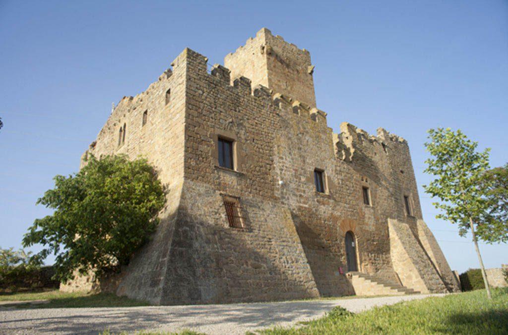 castell d'estil romànic i gòtic del municipi de Torrefeta i Florejac